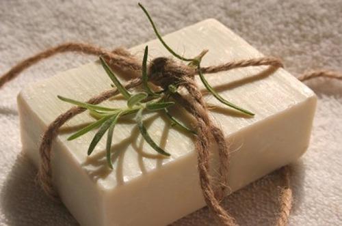 Мыло своими руками на природе